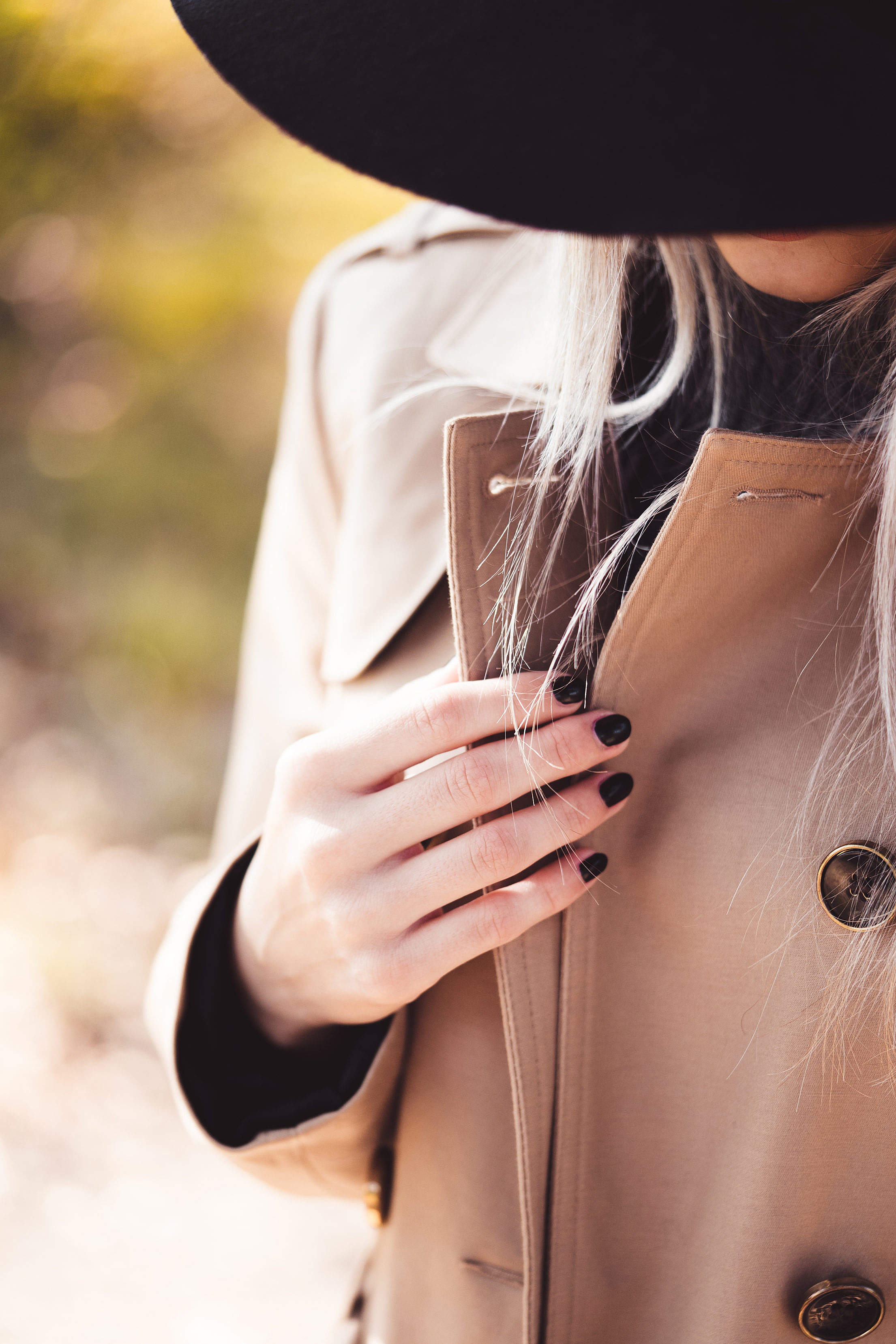 woman-in-trench-coat-2210×3315